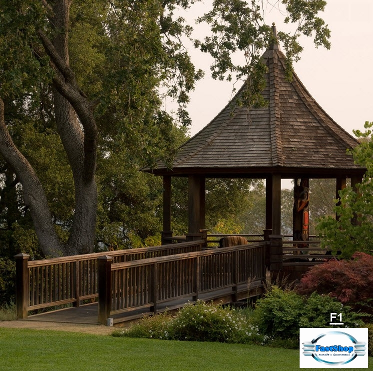 Foisor in stil medieval cu pod de trecere din lemn